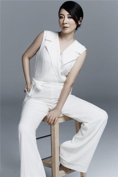 陈小艺加盟《归来》 扮相朴素获封劳模