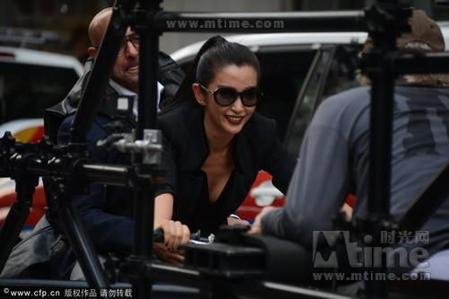 香港探班《变形金刚4》 李冰冰揭密幕后拍摄