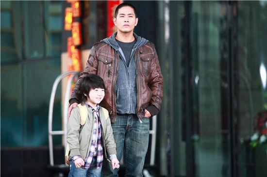 《硬汉奶爸》刘承俊带孩子蓝燕演知性母亲