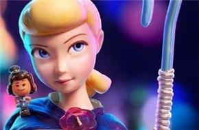 《玩具总动员4》发布海报 里维斯配音玩具出场